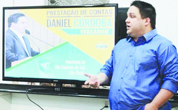 O pré-candidato Daniel Córdoba presta contas a população