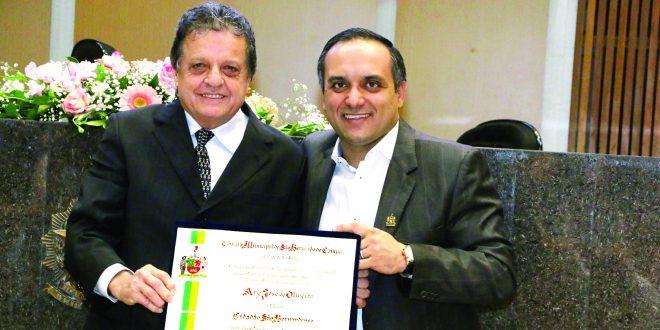 Ary de Oliveira recebe o título de Cidadão São Bernardense