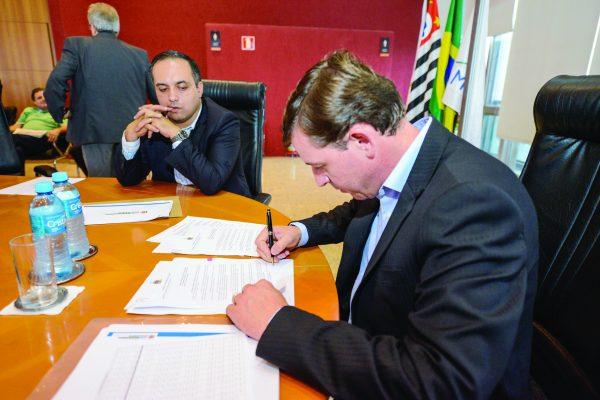 Orlando Morando anunciou dez ações de redução de gastos