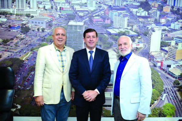 Secretário-geral, Manoel Barbosa Nascimento, prefeito de SBC, Orlando Morando e o deputado federal Gilberto Nascimento